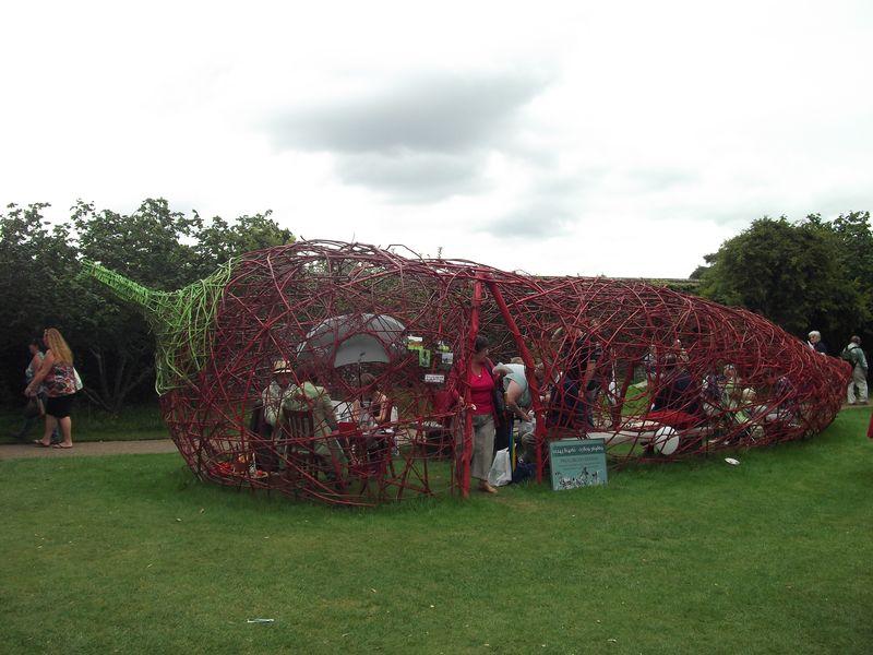 Giant wire chilli